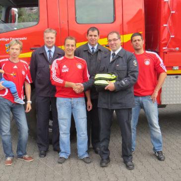 FC Bayern Fanclub Erda unterstützt die Einsatzabteilung der FFw Erda